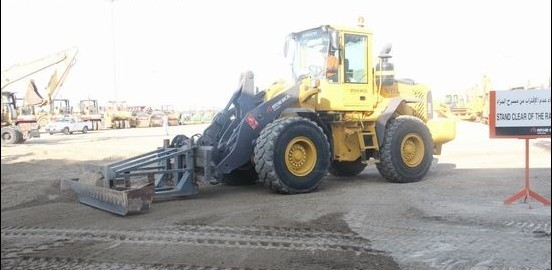 Auction auxiliary equipment - loader + forklift accessories